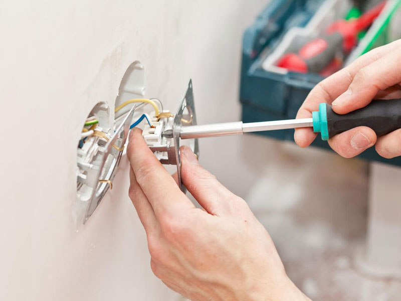 electrical-outlet-repair